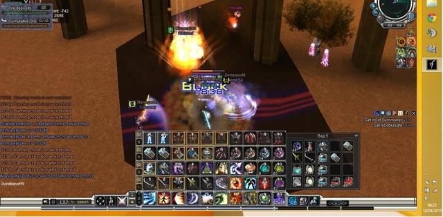 Olha a quantidade de noob tentando me matar e com ajuda de um mob do portal cora e nada! kkkk